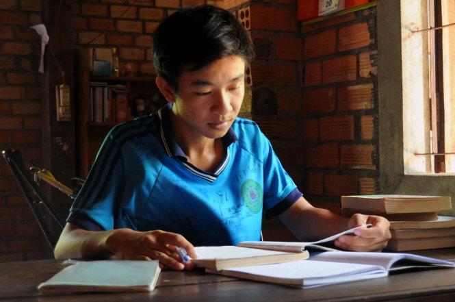 Tiếp sức nhà nông cho con đến trường: chắt chiu từ những tấm lòng - Hình 1