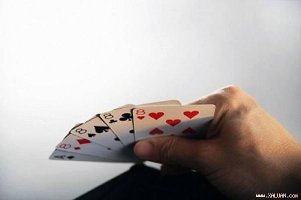 Điêu đứng vì chồng mê cờ bạc - Hình 1