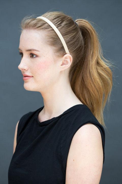 10 gợi ý tạo kiểu tóc đẹp hoàn hảo chỉ trong... vài giây - Hình 1