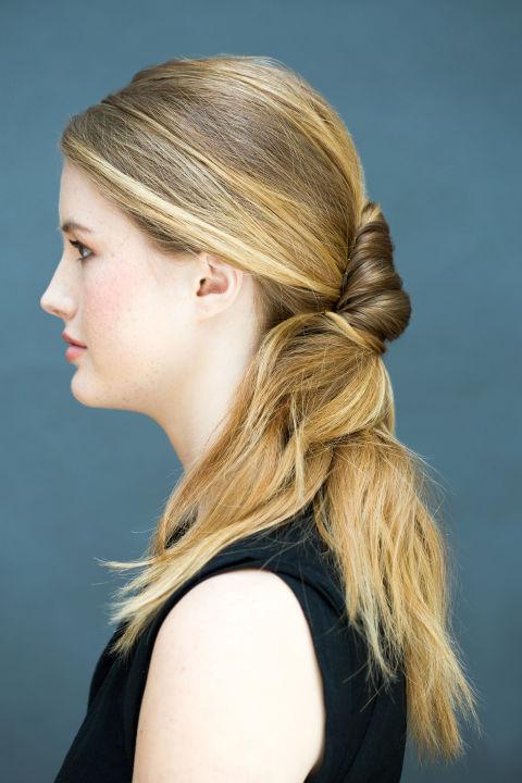 10 gợi ý tạo kiểu tóc đẹp hoàn hảo chỉ trong... vài giây - Hình 17
