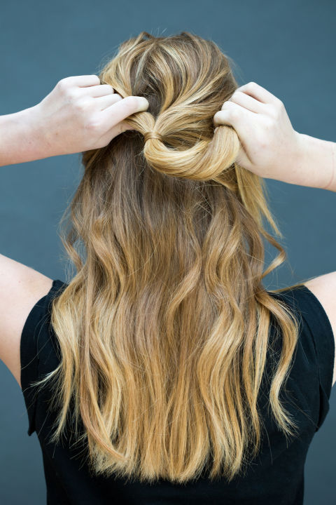 10 gợi ý tạo kiểu tóc đẹp hoàn hảo chỉ trong... vài giây - Hình 12