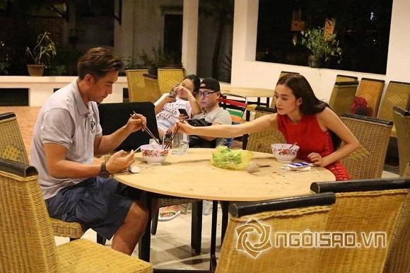 Khánh My chăm chút từng miếng ăn cho tài tử TVB tại phim trường - Hình 3