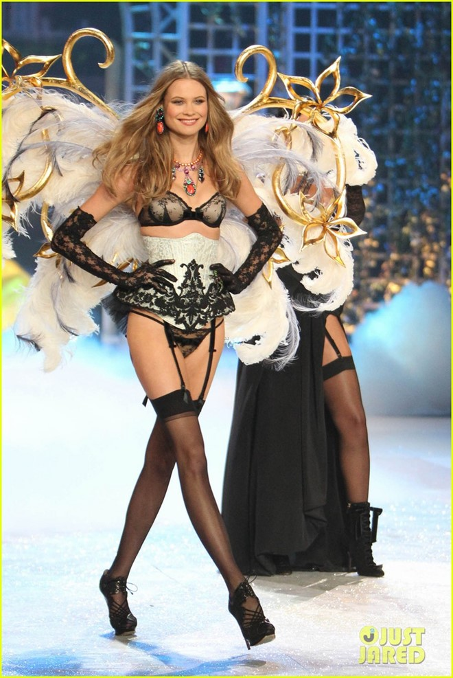 14 thiên thần nóng bỏng của Victorias Secret - Hình 13