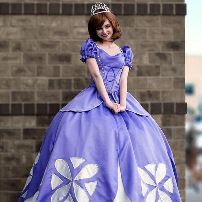 Cô gái chi cả núi tiền để hóa thân thành các nàng công chúa Disney - Hình 14