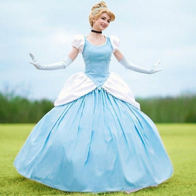 Cô gái chi cả núi tiền để hóa thân thành các nàng công chúa Disney - Hình 11