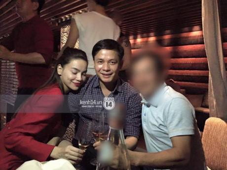 Vợ đại gia kim cương nói gì khi Hà Hồ lộ ảnh thân mật cùng chồng mình