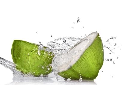 Tác dụng của nước dừa trong việc làm đẹp