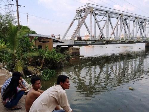 Phát hiện thi thể người phụ nữ nổi trên sông Sài Gòn - Hình 2
