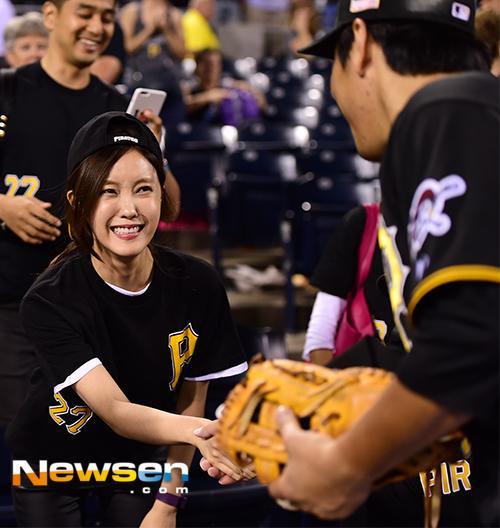Rộ tin Hyomin (T-ara) hẹn hò cầu thủ bóng chày nổi tiếng Kang Jung Ho