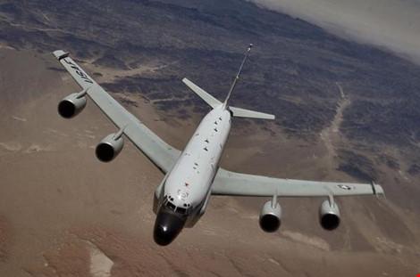 Nga phủ nhận Su-27 áp sát nguy hiểm máy bay Mỹ - Hình 1