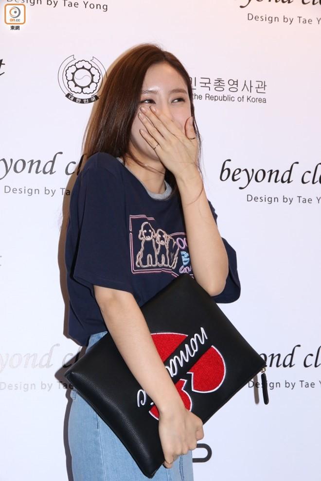 Hyomin (T-ara) gặp sự cố tại sự kiện ở Hong Kong