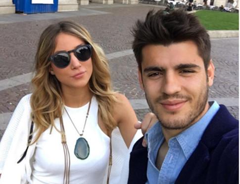 CĐV Juventus nhờ người đẹp thuyết phục Morata ở lại đội bóng