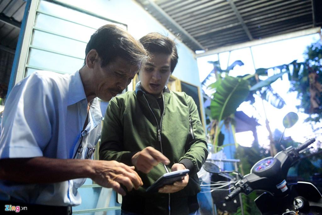 Ba cha con ở Sài Gòn cùng quyết tâm thi đại học - Hình 12