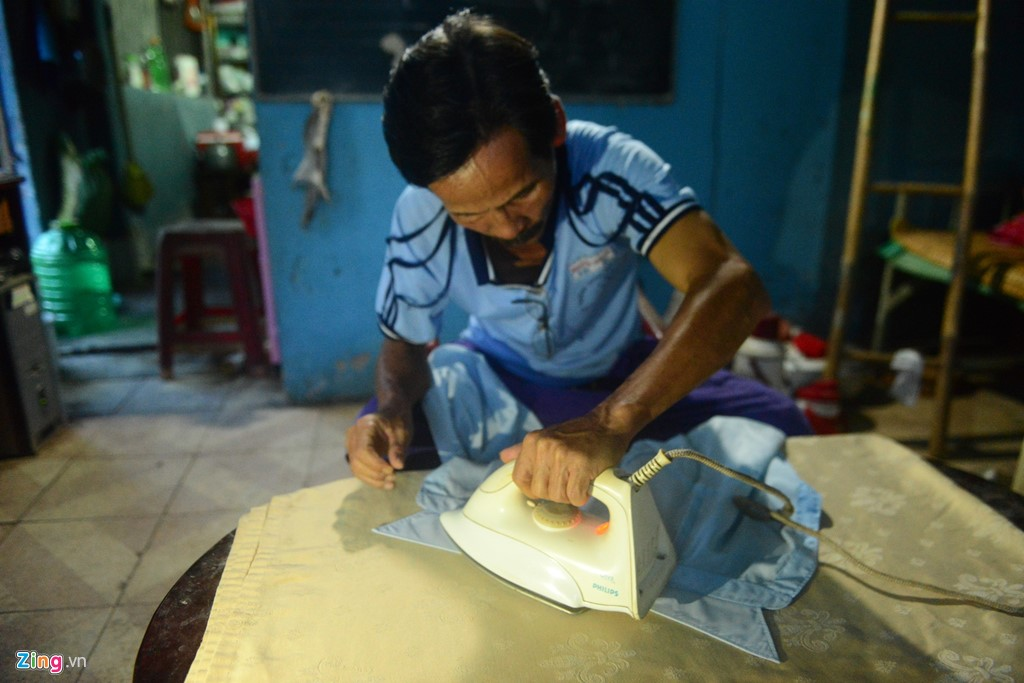 Ba cha con ở Sài Gòn cùng quyết tâm thi đại học - Hình 10