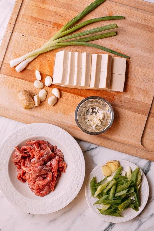 [Chế biến] - Thịt bò sốt đậu phụ, lạ mà ngon