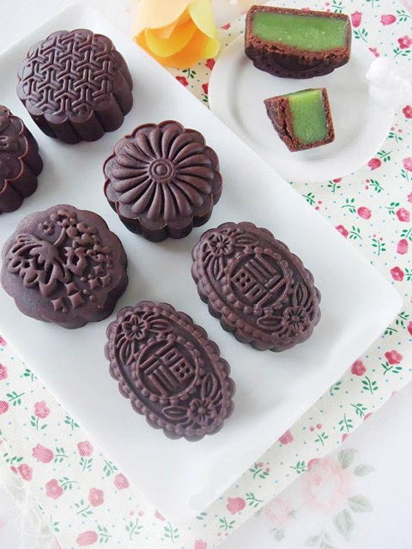 [Chế biến] - Tự làm bánh nướng chocolate nhân trà xanh đón Trung thu