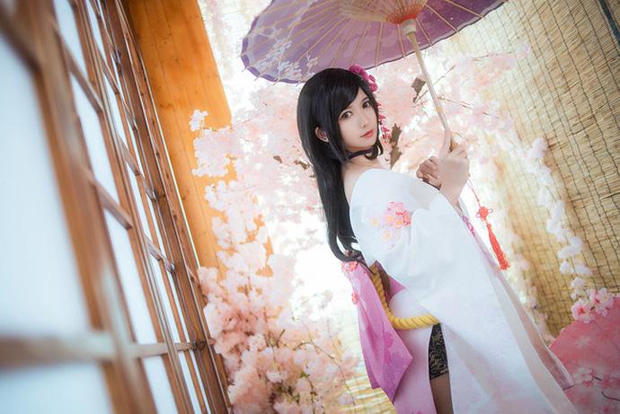 Bỏng mắt với cosplay nàng Dạ Anh trong game hot Trấn Ma Khúc
