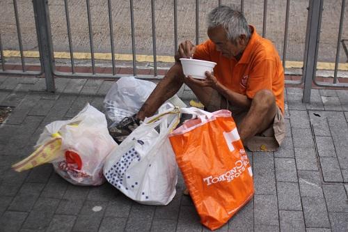 Cuộc sống người nghèo ở chốn phồn hoa Hong Kong