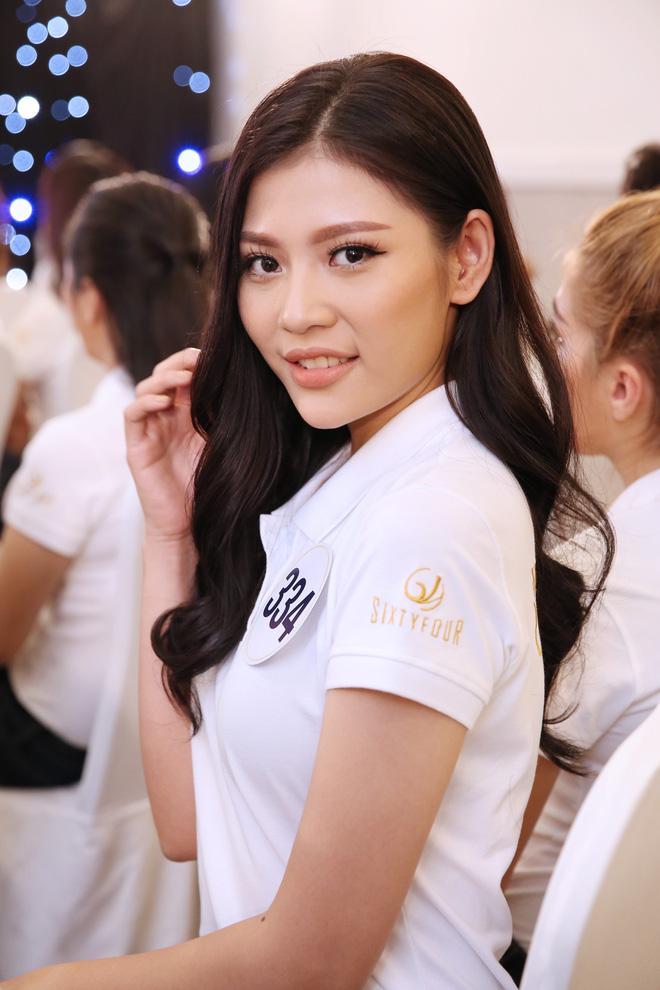 Hết thi catwalk, thí sinh Hoa hậu Hoàn vũ lại bị soi cả chuyện đánh ghen