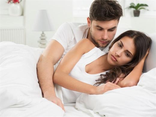 Ngoại tình 'ảo' với người cũ tôi suýt mất hạnh phúc 'thật' với chồng