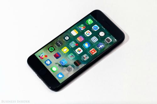 Quên ngay iPhone X và iPhone 8 đi, iPhone 7 vẫn rất ngon