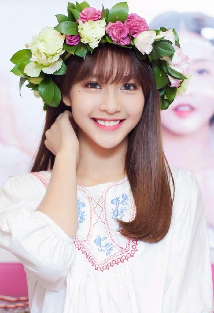 Top 10 cô gái xinh đẹp nhất Việt Nam xinh như thiên thần - Hình 16