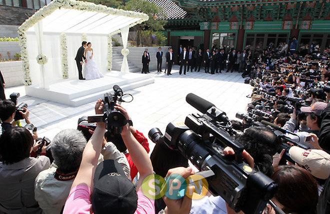 Đám cưới Song Joong Ki và Song Hye Kyo được tổ chức ở lễ đường hoành tráng bậc nhất Hàn Quốc, xem ai mà không choáng!