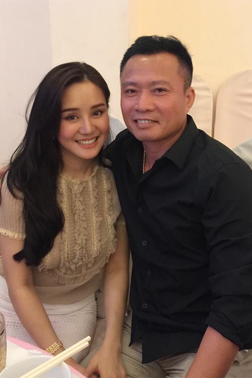 Lộ chồng đại gia, Vy Oanh viết status dằn mặt những cô gái có ý đồ làm người thứ 3