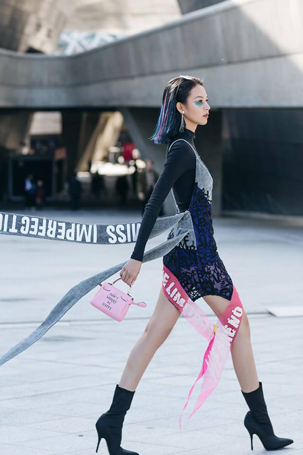 Phạm Hương không cần làm lố vẫn gây chú ý tại Seoul Fashion Week
