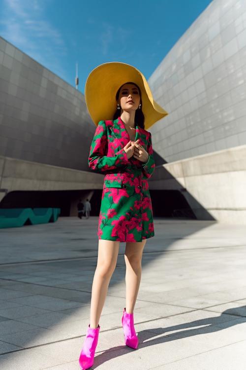 Đổ bộ đường phố Seoul Fashion Week ngày 3, 'cô Ba' Diễm My 'lỡ tay' tự cộng thêm tuổi tác
