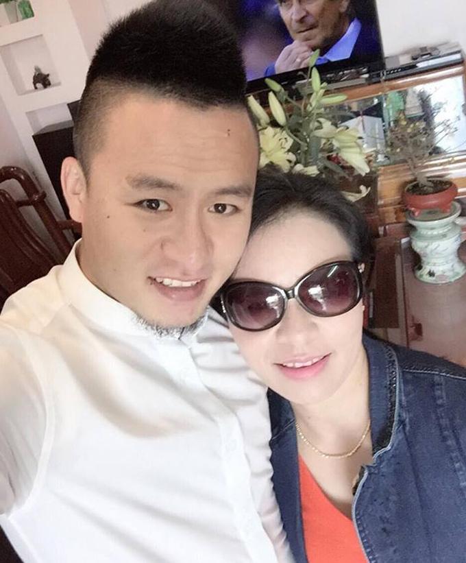 Sao bóng đá Việt thể hiện tình yêu với mẹ