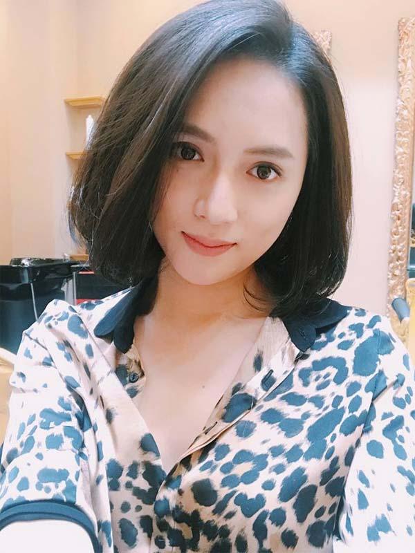 """Sao Việt 24h: Phan Như Thảo vừa cho con bú vừa chụp ảnh """"tự sướng"""""""
