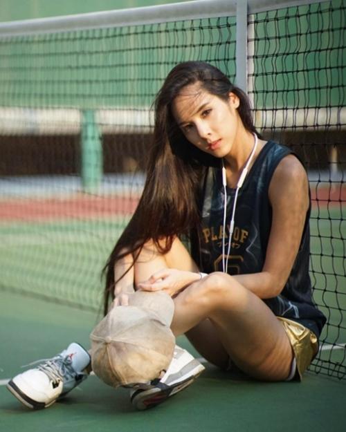 """Phát hờn với cô gái Thái xinh như hoa hậu mà hình thể """"bắp nào ra bắp nấy"""""""