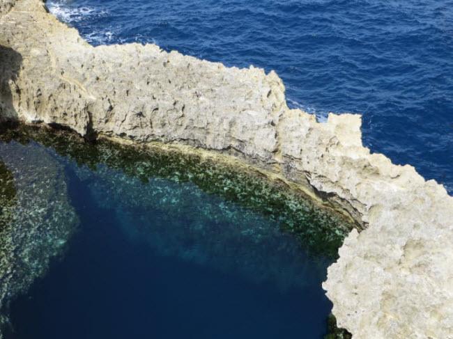 Đứng hình trước 16 bể bơi tự nhiên bí mật đẹp không thể tin nổi