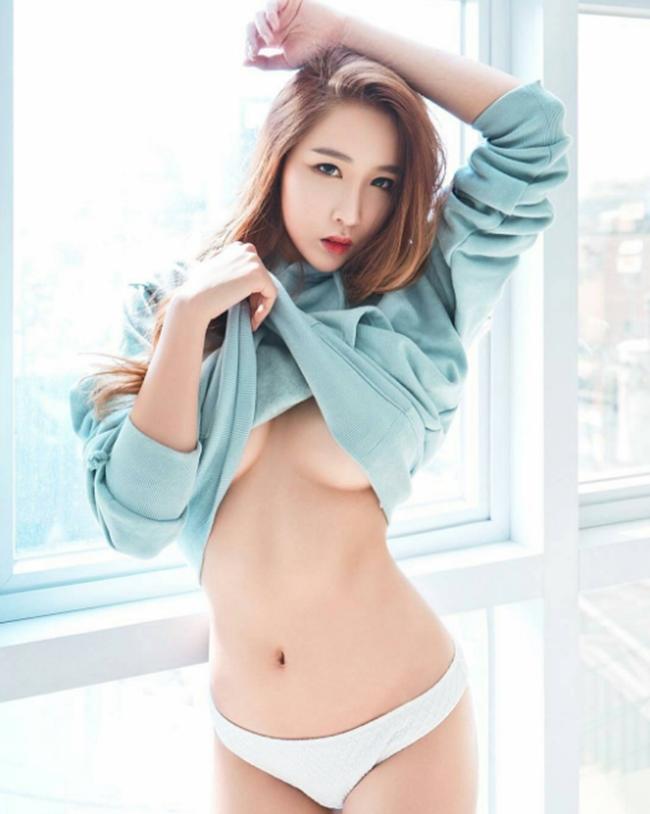 Ngắm gái Hàn khoe dáng chuẩn