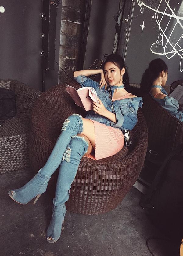 Bí quyết chọn đồ khoe chân thon sexy của mỹ nhân Việt