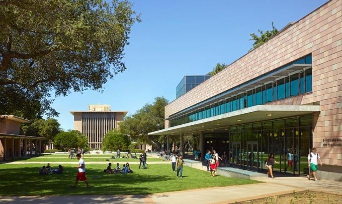 Top 10 đại học đắt xắt ra miếng ở Mỹ