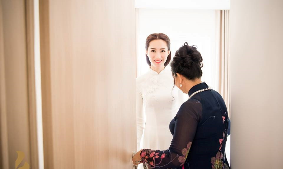 Bí mật lần đầu được tiết lộ về chiếc áo dài Thu Thảo chọn ngày ăn hỏi