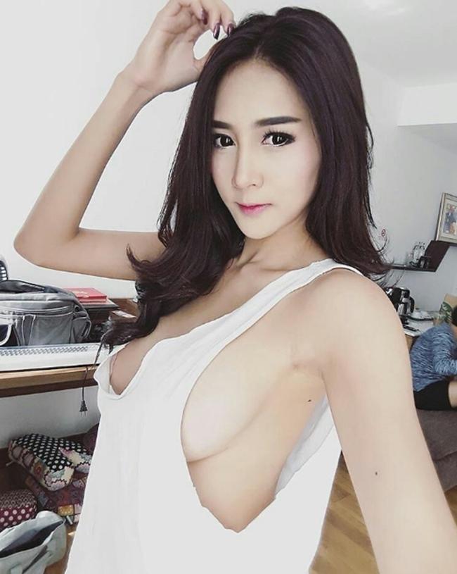 Con gái Thái đang si mê kiểu áo không ai biết mặc để làm gì