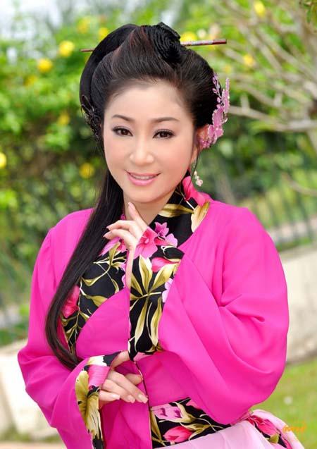Hoài Linh, Phương Thanh khấn Tổ nghề sân khấu để cầu xin được gì?