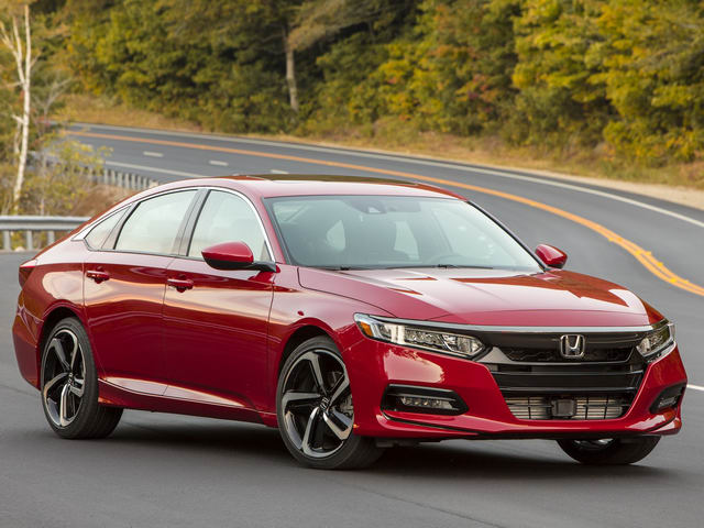 Honda Accord 2018 có giá từ 536 triệu đồng