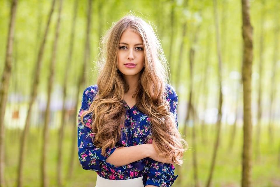Nhan sắc đẹp tuyệt trần của hoa hậu Nikola Uhlirova