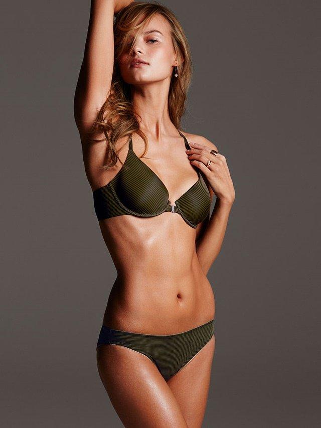 Vẻ đẹp đằm thắm của cô nàng Kate Grigorieva xinh đẹp