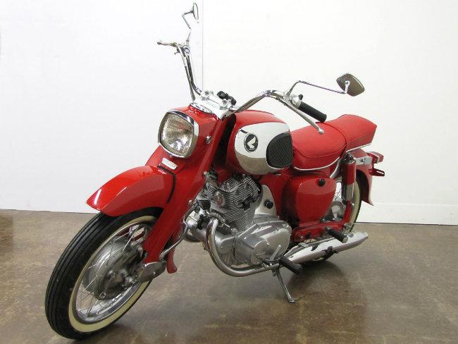 Xao xuyến ngắm 1963 Honda Dream CA77 vang bóng một thời