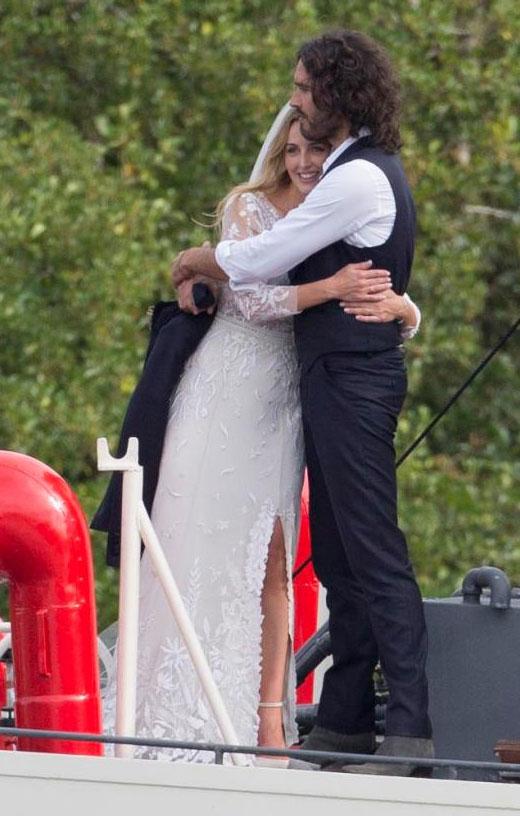 Chồng cũ Katy Perry trải lòng về những năm tháng nghiện sex
