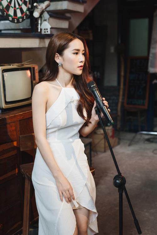 Vân Shi đẹp trong veo, kỉ niệm tuổi 20 bằng MV buồn đến nao lòng