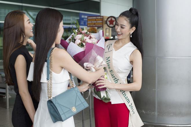 Nam Em - Top 8 Hoa hậu Trái đất 2016 xuất hiện tiễn Hà Thu lên đường sang Philippines chinh chiến quốc tế!