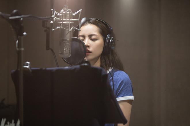 Chi Pu nghẹn ngào kể chuyện bị đuổi sau 2 ngày học hát