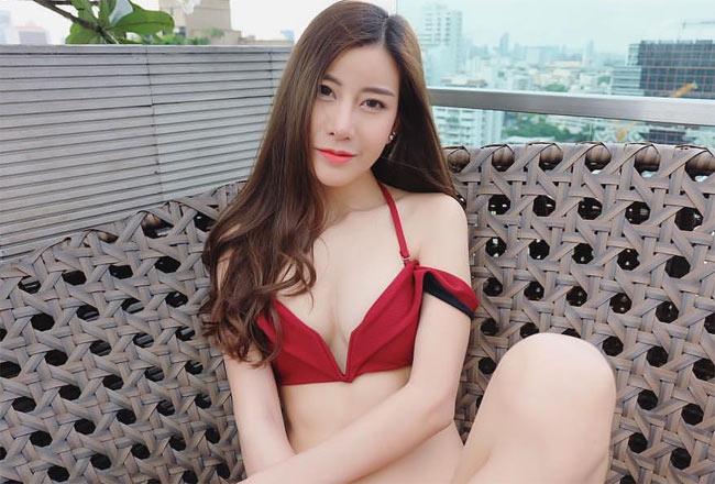 Girl xinh châu Á mặc bikini ngày càng bạo