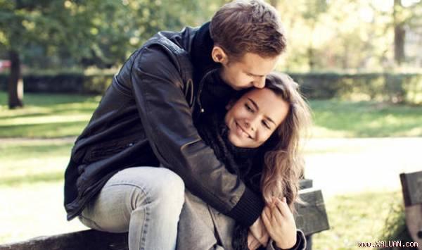"""""""Nằm lòng"""" những bí quyết này thì các cặp đôi dù yêu lâu vẫn không thấy nhàm chán"""